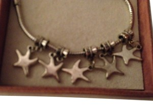 Bella & Chloe Set of 5, Starfish, Perfect for Nautical Braceet. 4mm hole.