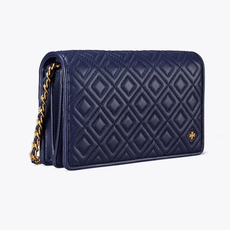fb3bebdfb0d6 Tory Burch Fleming Flat Wallet Navy Quilted Leather Cross Body Bag ...