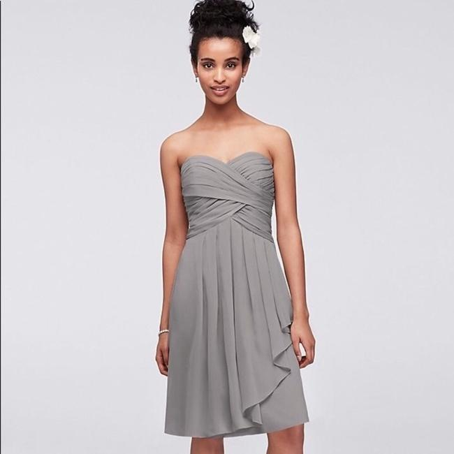 Item - Grey/Mercury Chiffon Short Crinkle Front Cascade In (F14847) Traditional Bridesmaid/Mob Dress Size 8 (M)
