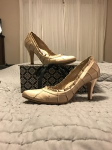 Hey Lady Gold Daddy's Girl Pumps Size US 7.5 Regular (M, B)