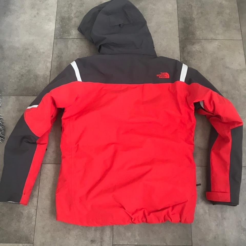 211df97a8366 The North Face Red and Gray Men s Vortex Triclimate Jacket Coat Size ...