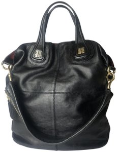 2cd882c20e75 Black Givenchy Shoulder Bags - Up to 90% off at Tradesy