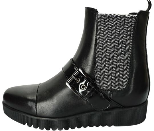 Preload https://img-static.tradesy.com/item/24285458/aquatalia-black-leather-cap-toe-platform-chelsea-stretch-ankle-bootsbooties-size-us-65-regular-m-b-0-3-540-540.jpg