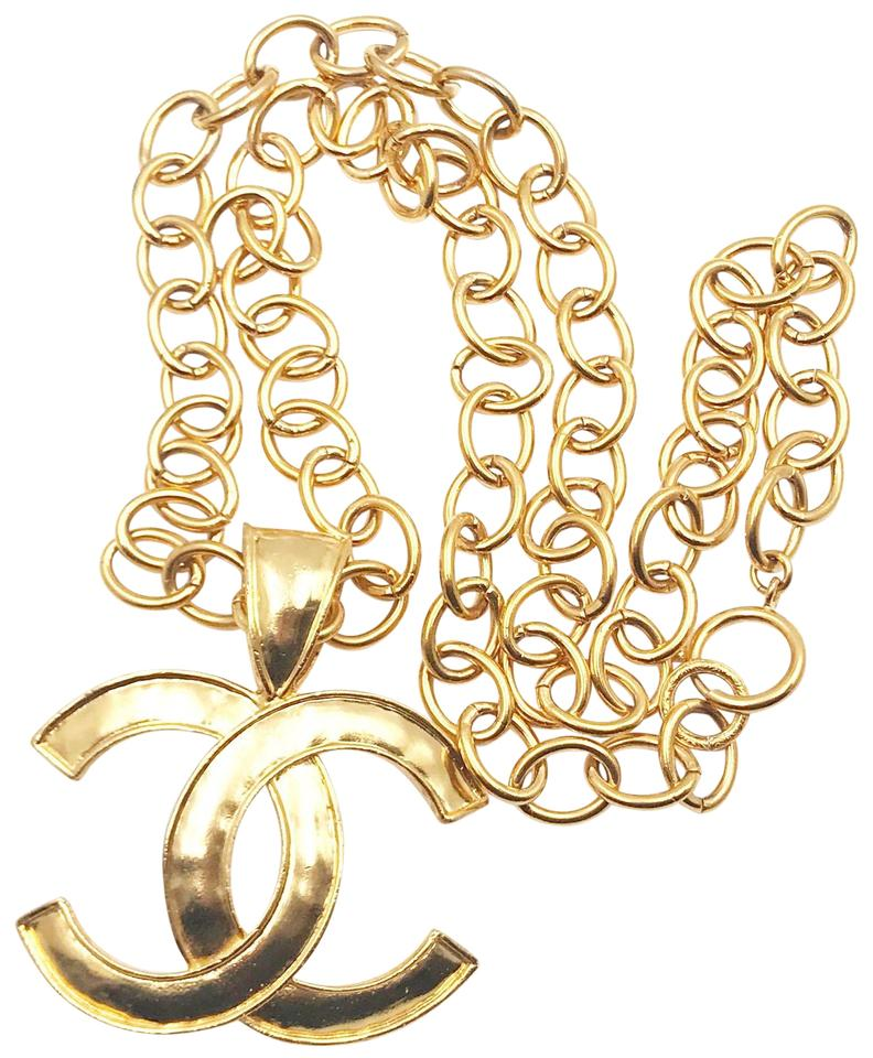 f8ae155cb992 Chanel Chanel Vintage Classic Gold Plated Large Pendant Long Necklace Image  0 ...