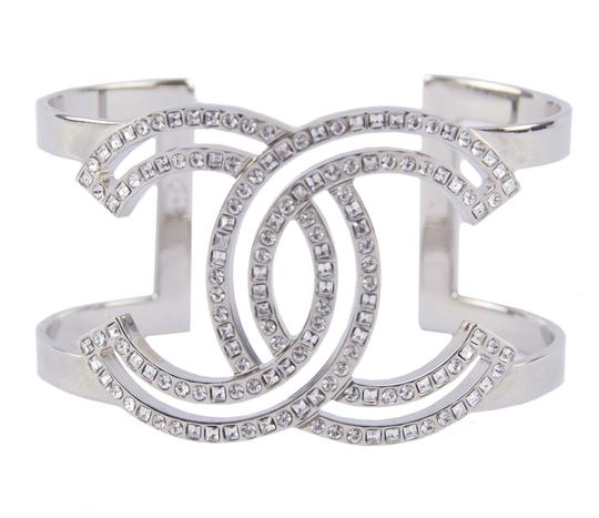 Preload https://img-static.tradesy.com/item/24286196/chanel-crystal-silver-new-sparkling-cc-logo-cuff-wreceipt-box-bracelet-0-0-540-540.jpg