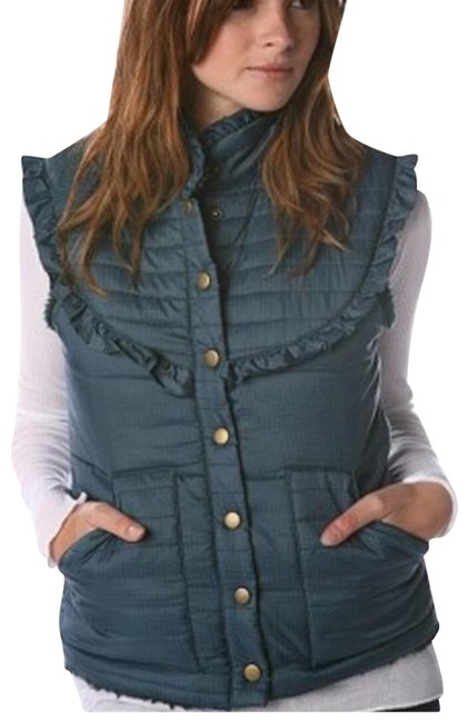 Preload https://img-static.tradesy.com/item/24287251/free-people-blue-quilted-vest-size-6-s-0-3-650-650.jpg