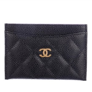 Chanel Classic Cardholder Wallet in Caviar and Gold Hardware
