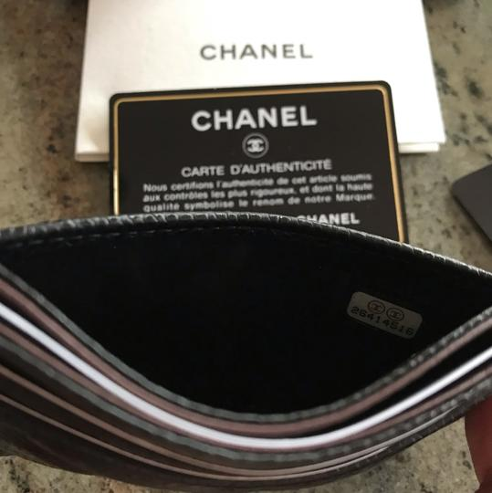 Chanel Classic Cardholder Wallet in Caviar and Gold Hardware Image 8