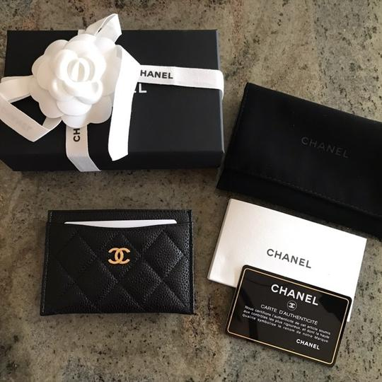 Chanel Classic Cardholder Wallet in Caviar and Gold Hardware Image 9