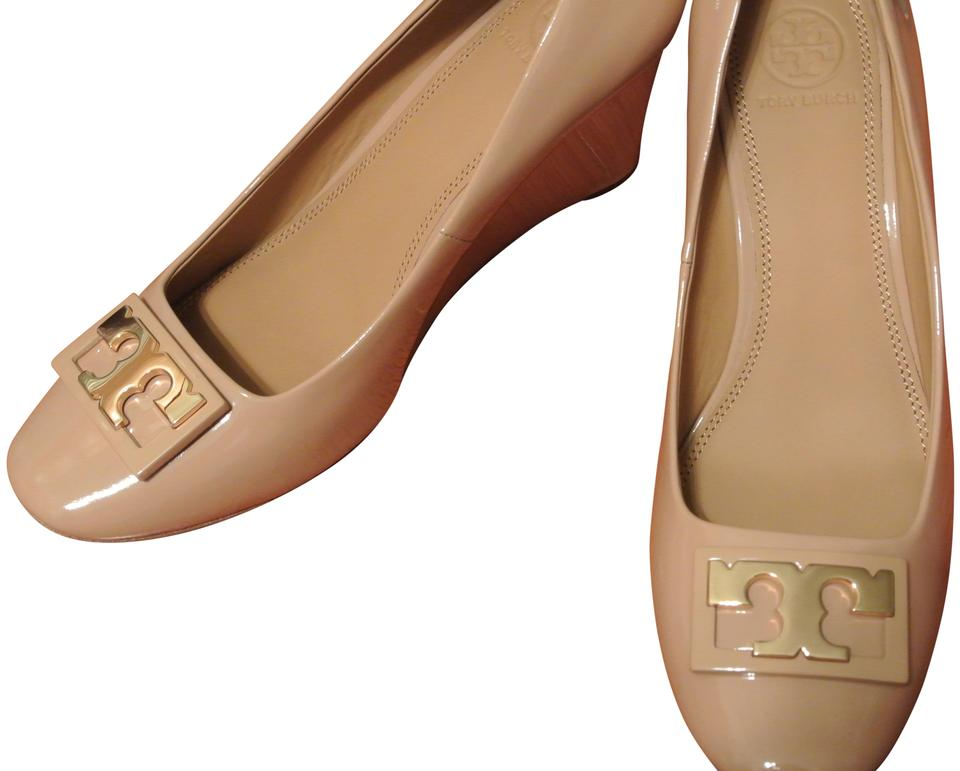 04274a00b178 Tory Burch Grey Jill 75mm Patent Leather Wedges Size US 9.5 Regular ...