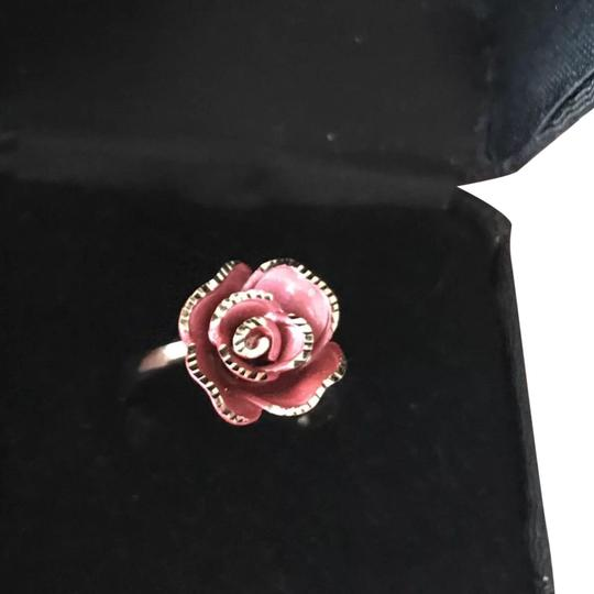 TheresaLuxury 18K White Gold Rose Ring Sz 8 Image 0