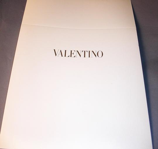 valentino New Couture Chic-street Stole In Embroidered Black Lace On Beige Silk Image 6
