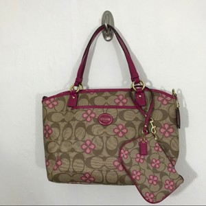 Coach Tote in Tan & Pink
