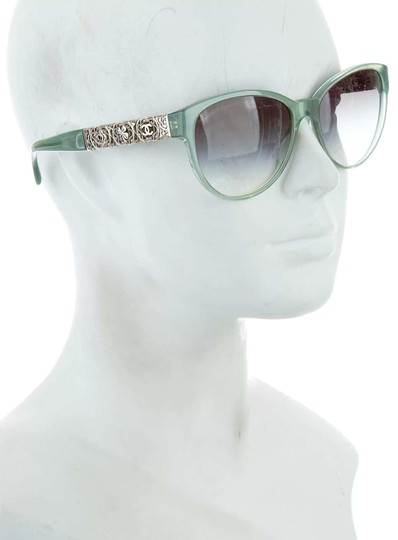 Preload https://img-static.tradesy.com/item/24289430/chanel-sage-bijou-filigree-sunglasses-0-3-540-540.jpg