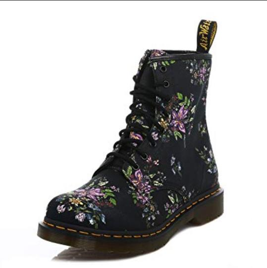Preload https://img-static.tradesy.com/item/24290331/dr-martens-black-floral-bootsbooties-size-eu-36-approx-us-6-regular-m-b-0-2-540-540.jpg