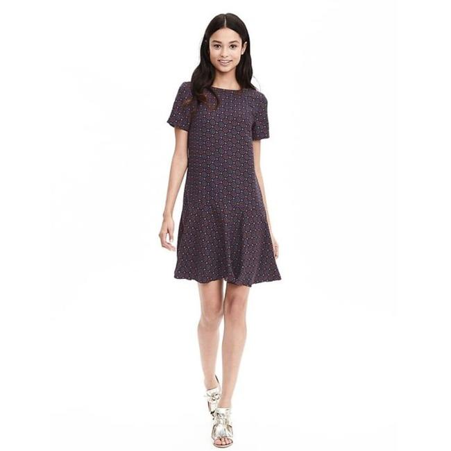 Preload https://img-static.tradesy.com/item/24290361/banana-republic-navy-foulard-tile-printed-flounce-short-casual-dress-size-2-xs-0-0-650-650.jpg
