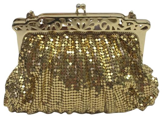Preload https://img-static.tradesy.com/item/24290364/whiting-and-davis-mesh-vintage-evening-gold-metal-baguette-0-2-540-540.jpg