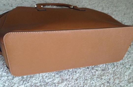 Tory Burch Tote in Brown