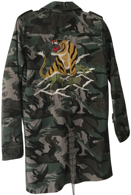 Preload https://img-static.tradesy.com/item/24290422/pam-and-gela-camouflage-jacket-size-4-s-0-3-650-650.jpg