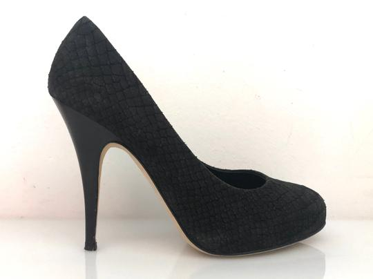 Preload https://img-static.tradesy.com/item/24290440/giuseppe-zanotti-black-suede-pumps-platforms-size-eu-385-approx-us-85-regular-m-b-0-2-540-540.jpg