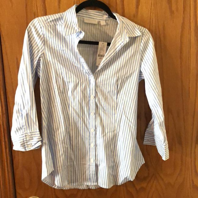 Preload https://img-static.tradesy.com/item/24290462/new-york-and-company-white-and-blue-striped-blouse-size-0-xs-0-2-650-650.jpg