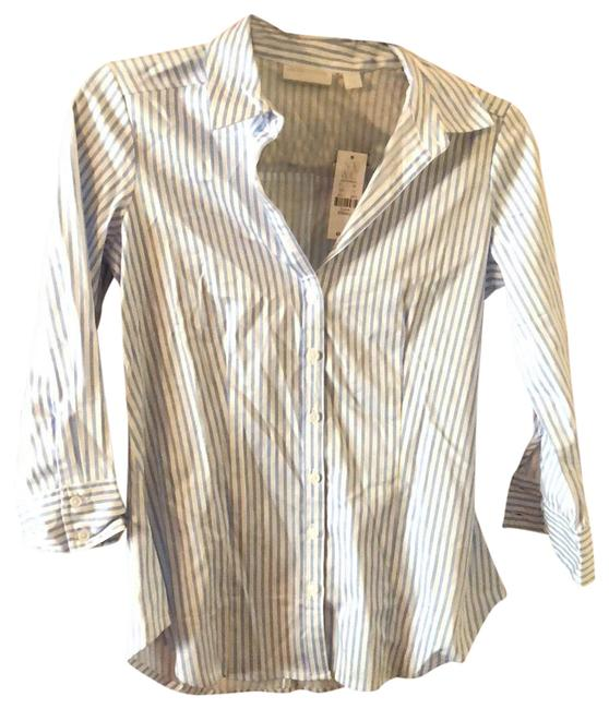 Preload https://img-static.tradesy.com/item/24290462/new-york-and-company-white-and-blue-striped-blouse-size-0-xs-0-3-650-650.jpg