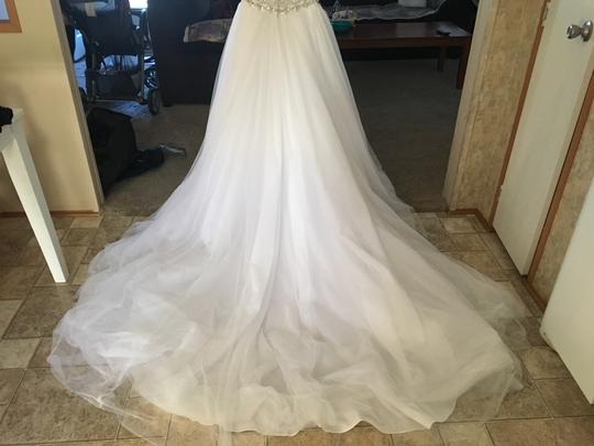 Maggie Sottero White Tulle Usa0000615 Traditional Wedding Dress Size 6 (S)
