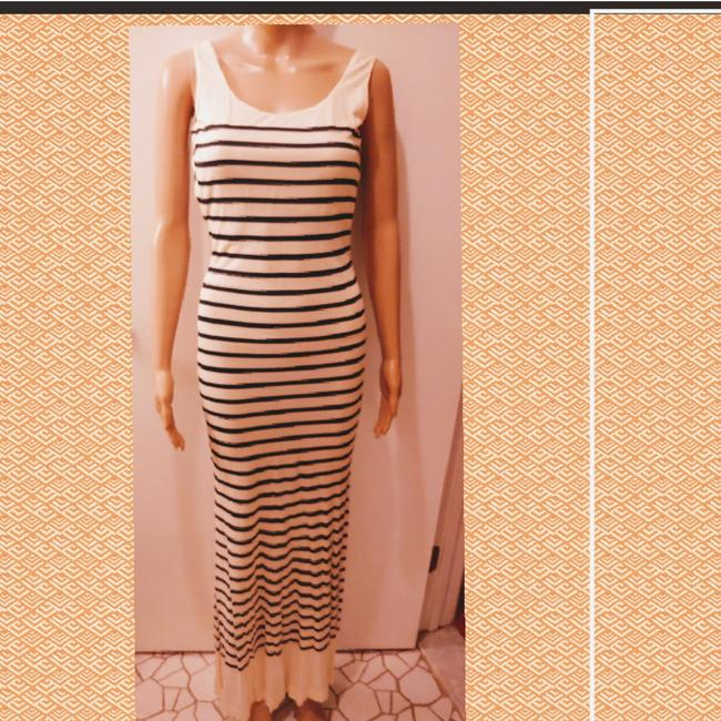 Preload https://img-static.tradesy.com/item/24290756/jean-paul-gaultier-black-and-white-stretch-sleeveless-long-casual-maxi-dress-size-4-s-0-1-650-650.jpg