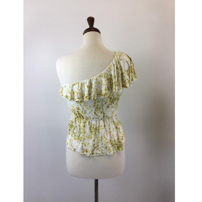 Preload https://img-static.tradesy.com/item/24290837/h-and-m-white-half-sleeve-floral-designer-b-46-blouse-size-4-s-0-5-650-650.jpg