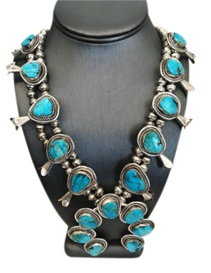 Preload https://img-static.tradesy.com/item/24290906/silver-vintage-native-american-turquoise-sterling-blossom-squash-necklace-0-1-540-540.jpg
