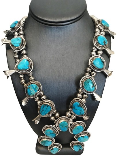 Preload https://img-static.tradesy.com/item/24290906/silver-vintage-native-american-turquoise-sterling-blossom-squash-necklace-0-3-540-540.jpg