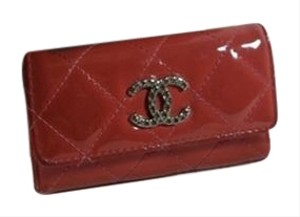 Chanel 100% Authentic-Chanel key case Pink Patent leather COCO CHANEL key holder