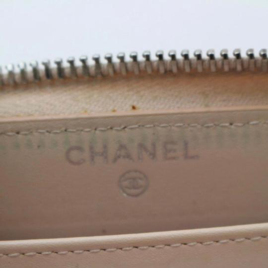 Chanel Beige clutch quilted zippy wallet Image 7