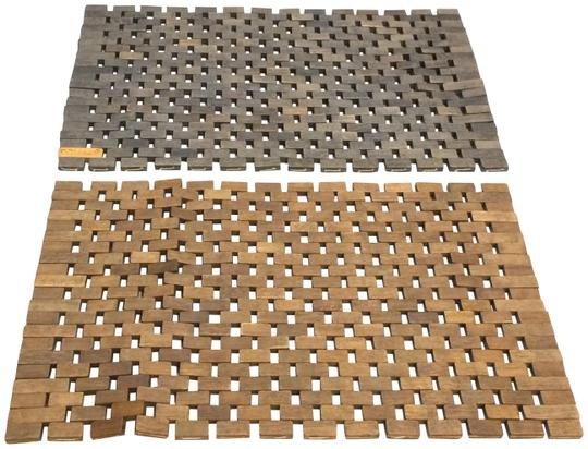 Preload https://img-static.tradesy.com/item/24295657/walnut-and-grey-stained-set-of-2-wood-tile-placemats-0-3-540-540.jpg