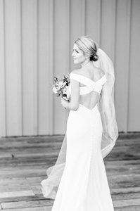 Anne Barge White Crepe Romy Modern Wedding Dress Size 2 (XS)