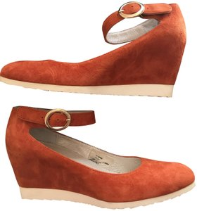Sundance Ankle Strap Suede Nearly New rust Wedges