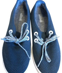 Allbirds Kauri Navy with white sole Athletic