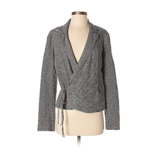 Preload https://img-static.tradesy.com/item/24296760/anthropologie-striped-grey-daughters-of-the-liberation-crossover-blazer-size-4-s-0-0-650-650.jpg