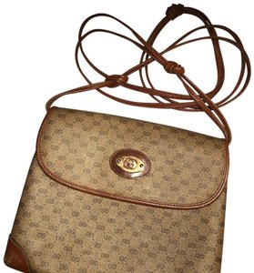 cf733f43733 Gucci Bags on Sale - Up to 70% off at Tradesy (Page 17)