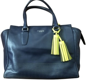 Coach Tote in Navy blue/yellow/beige lining