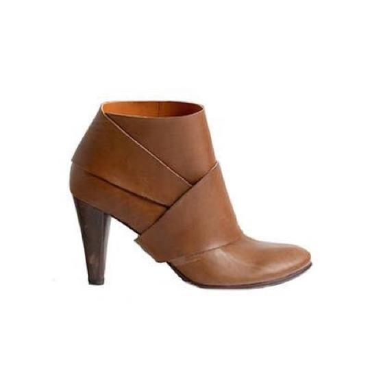 Preload https://img-static.tradesy.com/item/24297200/anthropologie-brown-coclico-leather-wrap-bootsbooties-size-eu-395-approx-us-95-regular-m-b-0-0-540-540.jpg
