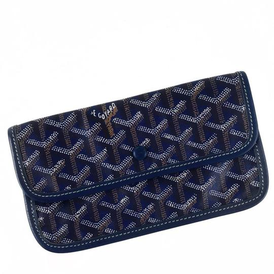Preload https://img-static.tradesy.com/item/24297571/goyard-blue-st-louis-pouchette-wallet-0-0-540-540.jpg