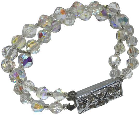Preload https://img-static.tradesy.com/item/24297599/silver-blue-and-green-crystal-beaded-multi-strand-bracelet-0-3-540-540.jpg