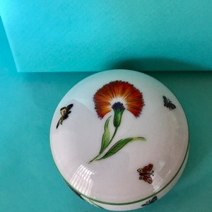"""Tiffany & Co. Trinket Box Porcelain Bone China """"Garden"""" Limoges France Flowers and Butterflies w/Packaging"""