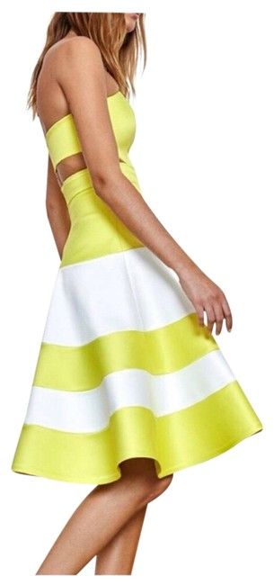 Preload https://img-static.tradesy.com/item/24297671/alexis-lime-and-white-simona-formal-mid-length-cocktail-dress-size-0-xs-0-3-650-650.jpg