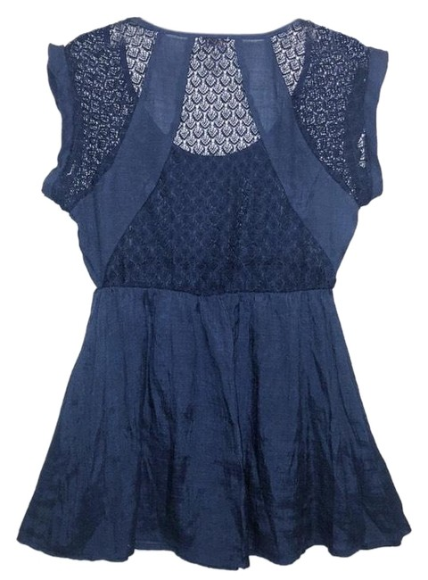 Preload https://img-static.tradesy.com/item/24297679/eyelash-couture-blue-empire-waist-lace-blouse-size-8-m-0-3-650-650.jpg