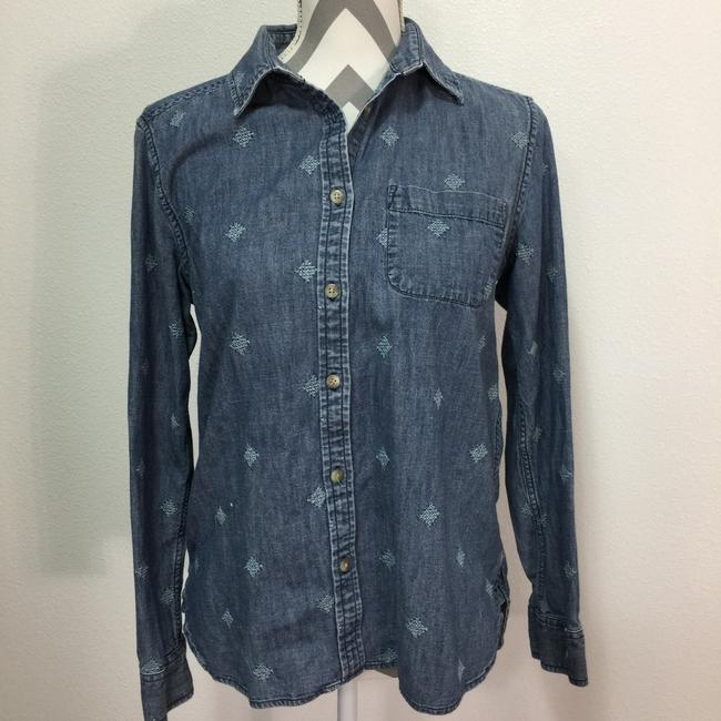 Preload https://img-static.tradesy.com/item/24297769/american-eagle-outfitters-blue-embroidered-denim-shirt-button-down-top-size-8-m-0-2-650-650.jpg