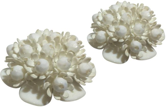 Vintage White Acrylic Three Dimensional Flower Earrings Vintage White Acrylic Three Dimensional Flower Earrings Image 1