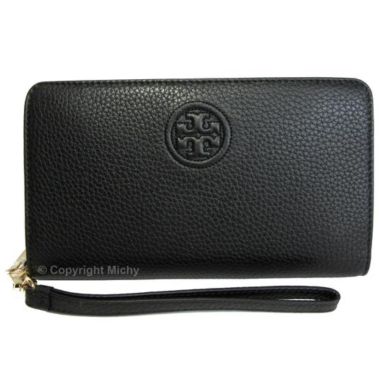 Preload https://img-static.tradesy.com/item/24297854/tory-burch-bombe-hidden-zip-smartphone-wallet-black-leather-wristlet-0-0-540-540.jpg