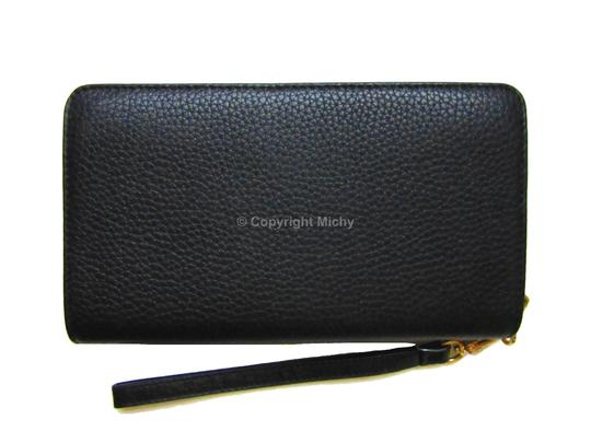 Tory Burch Pebbled Leather Bombe Hidden Zip Phone Wallet Wristlet in Black